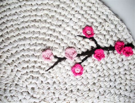 how to crochet a rag rug from t shirts top 10 diy crochet rugs top inspired