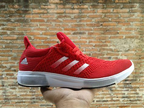 Jual Beli Terbaru Sepatu jual sepatu adidas terbaru baru sepatu lari pria wanita