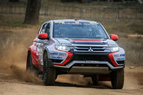 mitsubishi race car mitsubishi outlander phev baja race car 2015