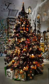 Halloween And Christmas Decorations 1000 Ideas About Halloween Tree Decorations On Pinterest