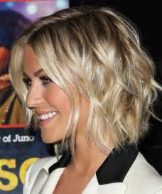 julianne hough shattered hair julianne hough medium straight casual hairstyle
