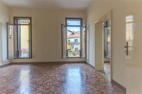 appartamento in vendita appartamento in vendita a venezia con grande terrazza