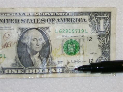 what color does a counterfeit pen turn the calladus testing the counterfeit money detector