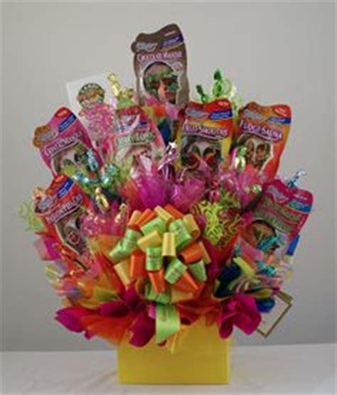Gift Card Arrangement Ideas - gift card baskets on pinterest gift card basket gift card bouquet and gift cards