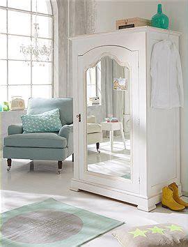 Ankleidezimmer Günstig Einrichten by Kleiderschrank Dieser Wundersch 246 N Verzierte Kleiderschrank