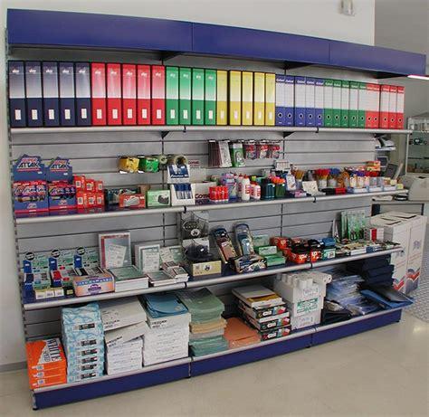 scaffali espositori per negozi 187 scaffalature leggere per negozio vendita scaffalature