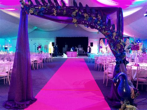 Themed Wedding Decorations by Peacock Themed Wedding Decorations A Theme For Indian Weddings Maz Eventsmaz Events