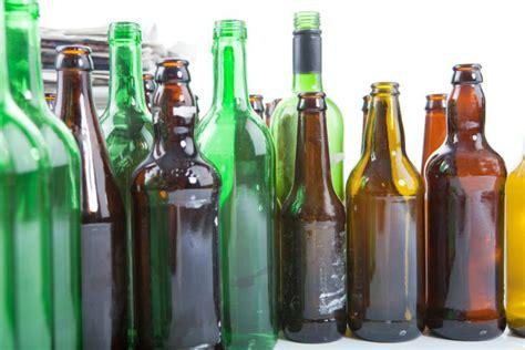 Teh Hijau Kemasan Gelas inilah alasannya mengapa kemasan bir botol berwarna coklat atau hijau beergembira