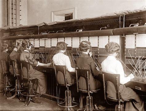 office möbel 20 vintage photos of telephone operators at work