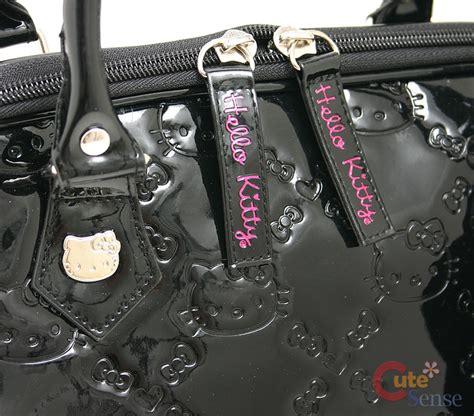 B828 Black soerna wallpaper black hello bags