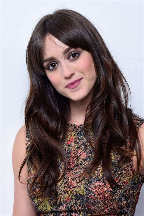 Hot Pictures Of Heather Lind Unveil Her Fit Sexy Body