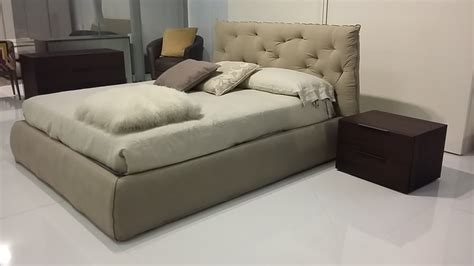 camere da letto con letto contenitore letto con contenitore impunto by pianca testiera pliss 232