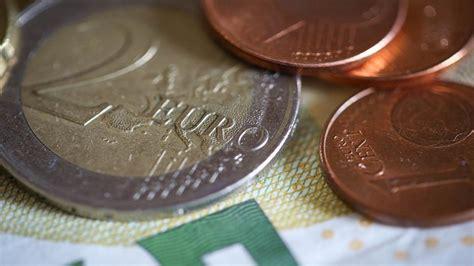 How To Make Money Online 2017 - how to make money online in 2017