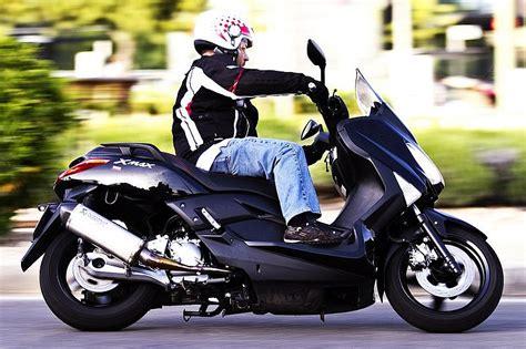 prueba yamaha  max  el scooter perfecto soymotero