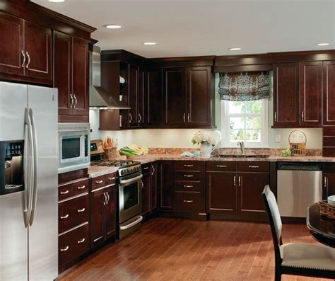 Alder Cabinets in Casual Kitchen   Kitchen Craft Cabinetry