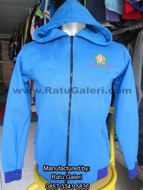 desain jaket alumni contoh dan desain seragam jaket kaos dan topi