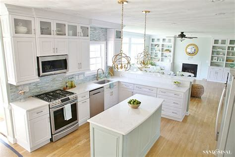 17 best ideas about coastal kitchens on kitchens coastal decor and
