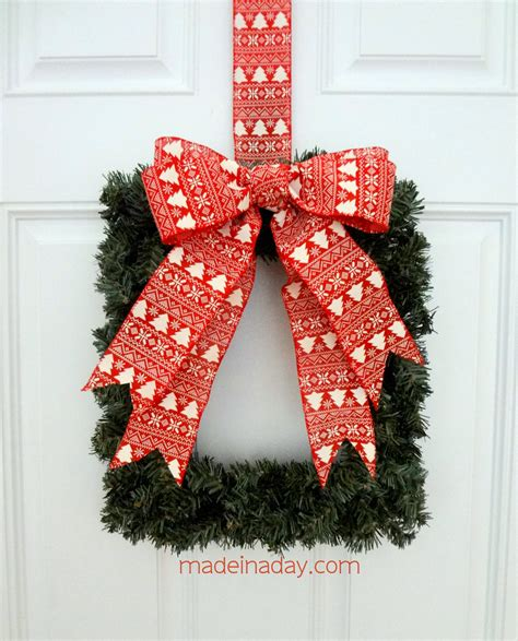easy square wreath