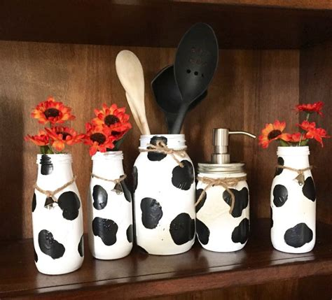 Cow Home Decor by Best 25 Cow Kitchen Decor Ideas On Cow