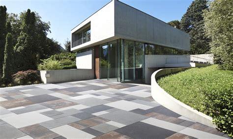 piastrelle per terrazzi esterni pavimenti per esterni guida alla scelta