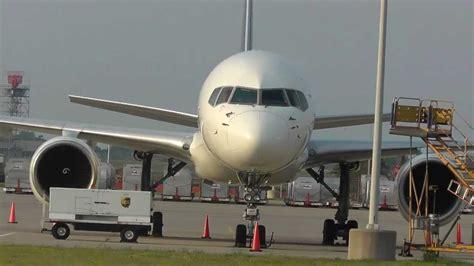 minneapolis st paul int l airport cargo r ups fedex activity 757 24apf s dc 10f