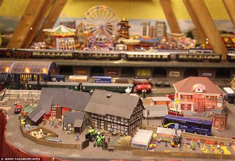 Detached Garage With Loft Devon Couple S Model Railways Took 10 Years To Build