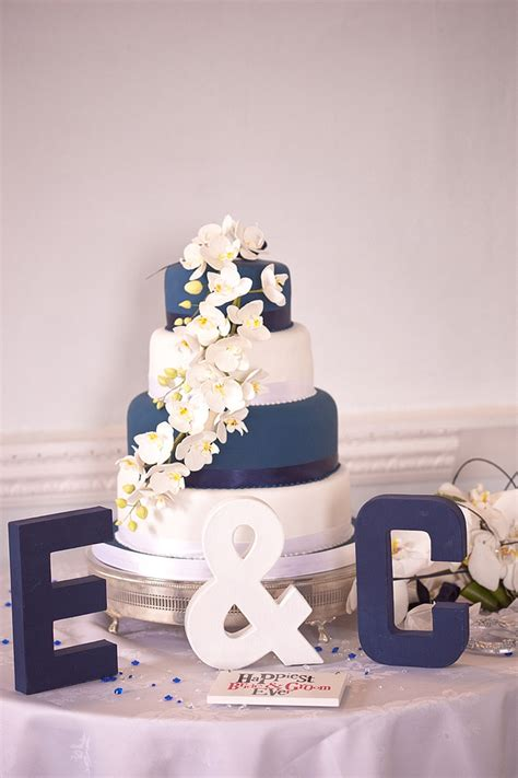 navy blue and white wedding a navy blue and brilliant white wedding by stuart