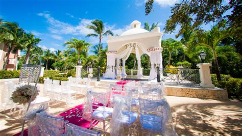 Wedding At Punta Cana Republic by Destination Weddings In Punta Cana At An All Inclusive Resort