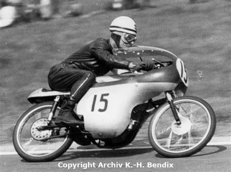 125er Motorrad Rennmaschine by Erhart Krumpholz