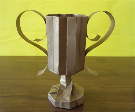 Papercraft Trophy - origami trophy by ryuucid on deviantart