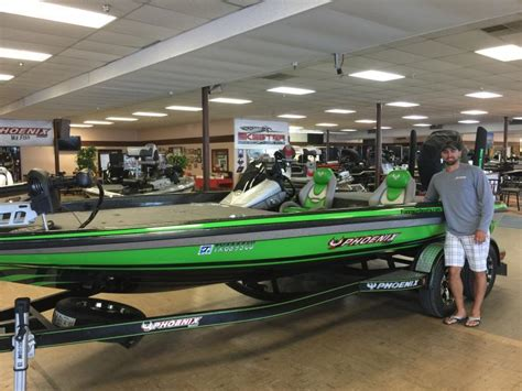 are phoenix bass boats good fun n sun s new phoenix boats plugs announcements