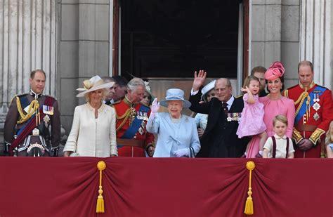 famiglia londra londra in lutto festeggia la a buckingham palace