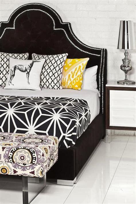 bel air bed in black velvet i roomservicestore