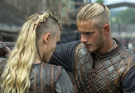 does ragnar have short hair in season 3 alexander ludwig talks vikings season 3 his character s