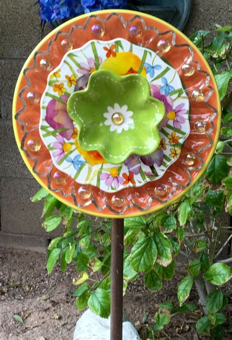 Plate Flowers For The Garden 25 Best Ideas About Plate Flowers Garden On Glass Flowers Glass Garden Flowers And