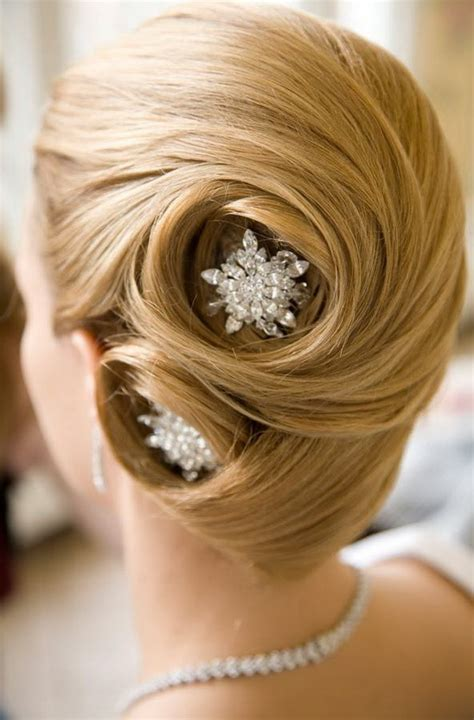 Wedding Hairstyles: 45 Best Bridal Inspirations For 2017