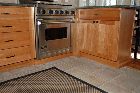 where to get cheap kitchen cabinets 6 useful tips to get cheap kitchen cabinets modern kitchens