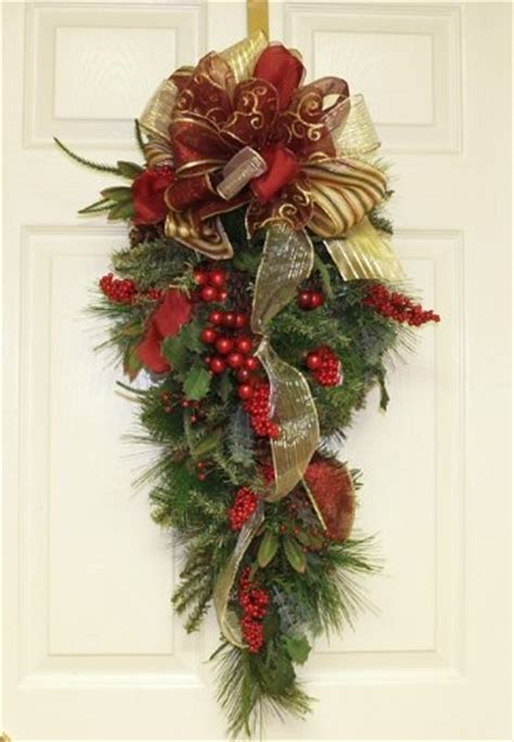 christmas door swag ideas 17 best images about mailbox swags on blue the mailbox and