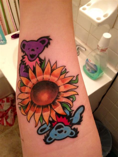 grateful dead tattoo done by dustin at passionfish