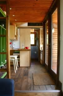 Decorating Small Homes Tall Man S Tiny House Tiny House Swoon