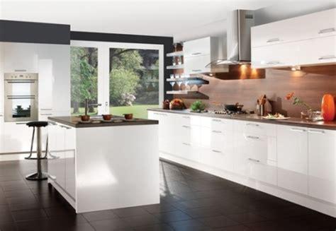 white contemporary kitchen cabinets 15 cocinas modernas con gabinetes color blanco