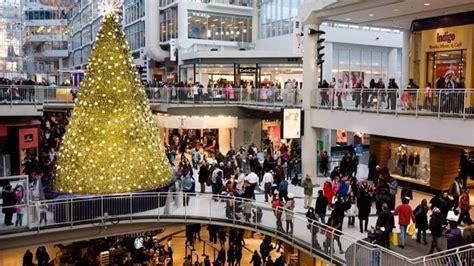 toronto eaton centre kicks off the holiday season with a