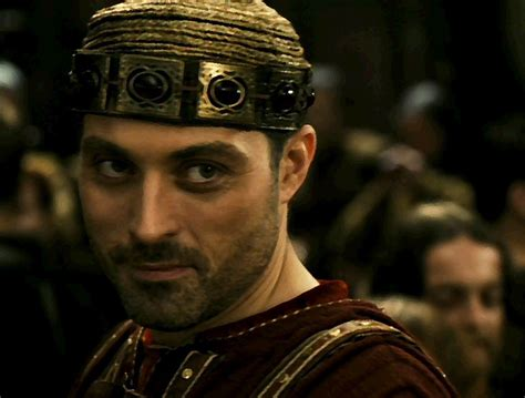 rufus sewell tristan isolde tristan and isolde soulmaethaniel