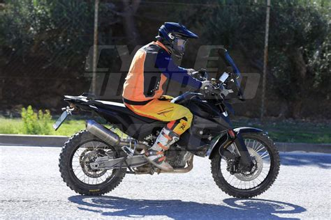 Ktm Motorrad 800 by 2018 Ktm 800cc Adventure Bike Spotted Testing Gaadiwaadi