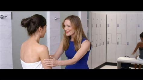 leslie mann lotion jergens wet skin moisturizer tv commercial no towel yet