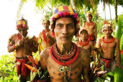 tato suku mentawai dan artinya jauh dari kata kriminalitas tradisi tato suku tanah air