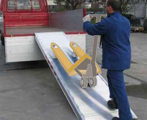 pedane di carico pedana di carico per transpallet e carrelli re da carico