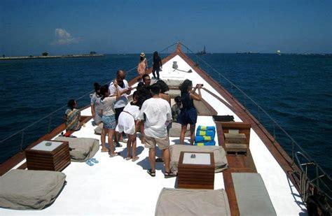 yacht di bali naik kapal yacht di bali serasa di hotel bintang 4