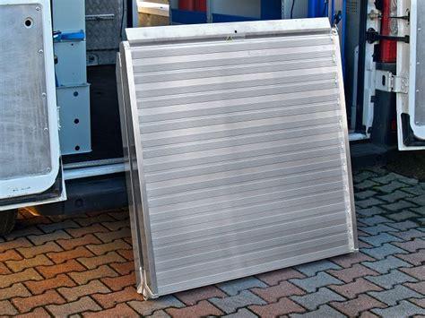 pedane di carico per furgoni disponibili nuovi modelli di re in alluminio per furgoni