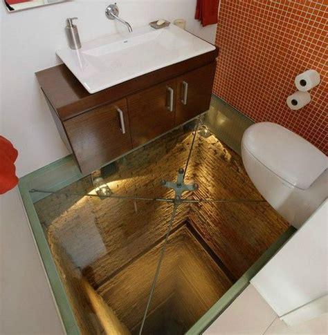 scary washroom 1funny com